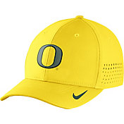 Nike Men's Oregon Ducks Yellow Vapor Sideline Swoosh Flex Hat