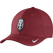 Nike Men's Arkansas Razorbacks Cardinal Vapor Sideline Coaches Hat