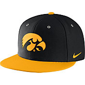 Nike Men's Iowa Hawkeyes Black True Adjustable Performance Hat