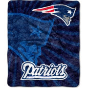 Northwest New England Patriots Team-Colored Strobe Sherpa Throw