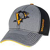 Reebok Men's Pittsburgh Penguins Center Ice Two-Tone Grey/Black Structured Flex Hat