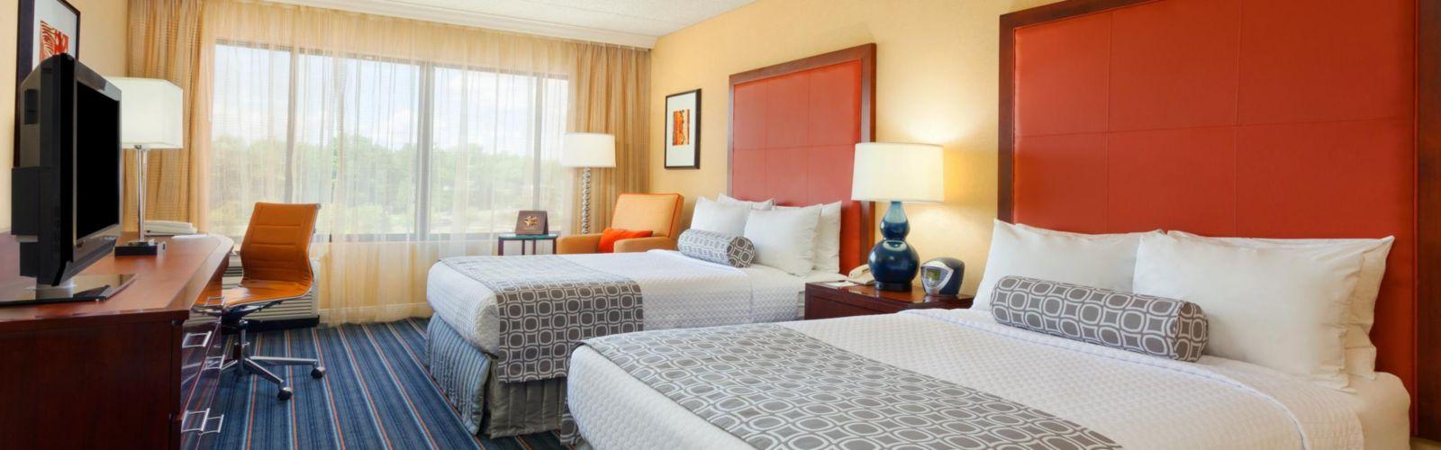 Rooms & Suites