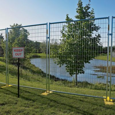 KMC Forklift – Outdoor Security Fencing – Welded Wire Fence – 6\'Hx5 ...