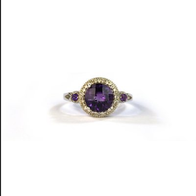 Amethyst and Diamond 14K White Gold Ring, Size 7.  Ends: Dec 22, 2014 3:00:00 PM CST