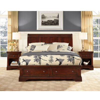 Savannah Queen Bed w/ Ample Storage Footboard.  Ends: Dec 18, 2014 8:00:00 AM CST