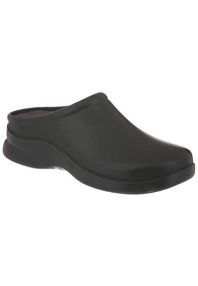 Klogs Dusty nursing clogs.