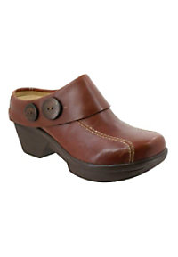 sanita-nickolette-nursing-clogs