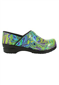 Sanita Professional Hendrix nursing clogs.