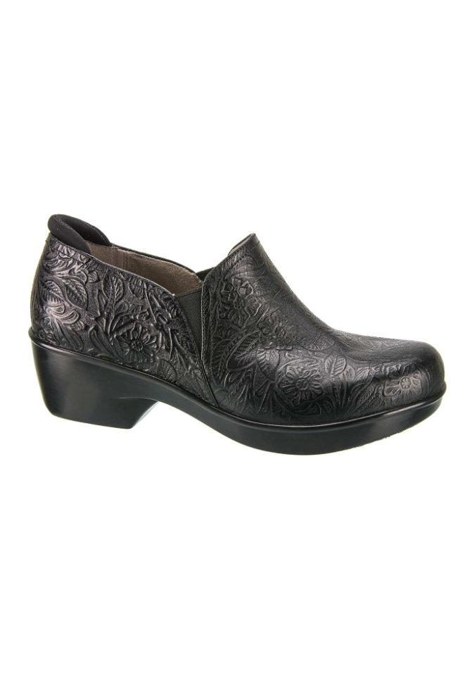Naturalizer Freeda Leather Nursing Shoe