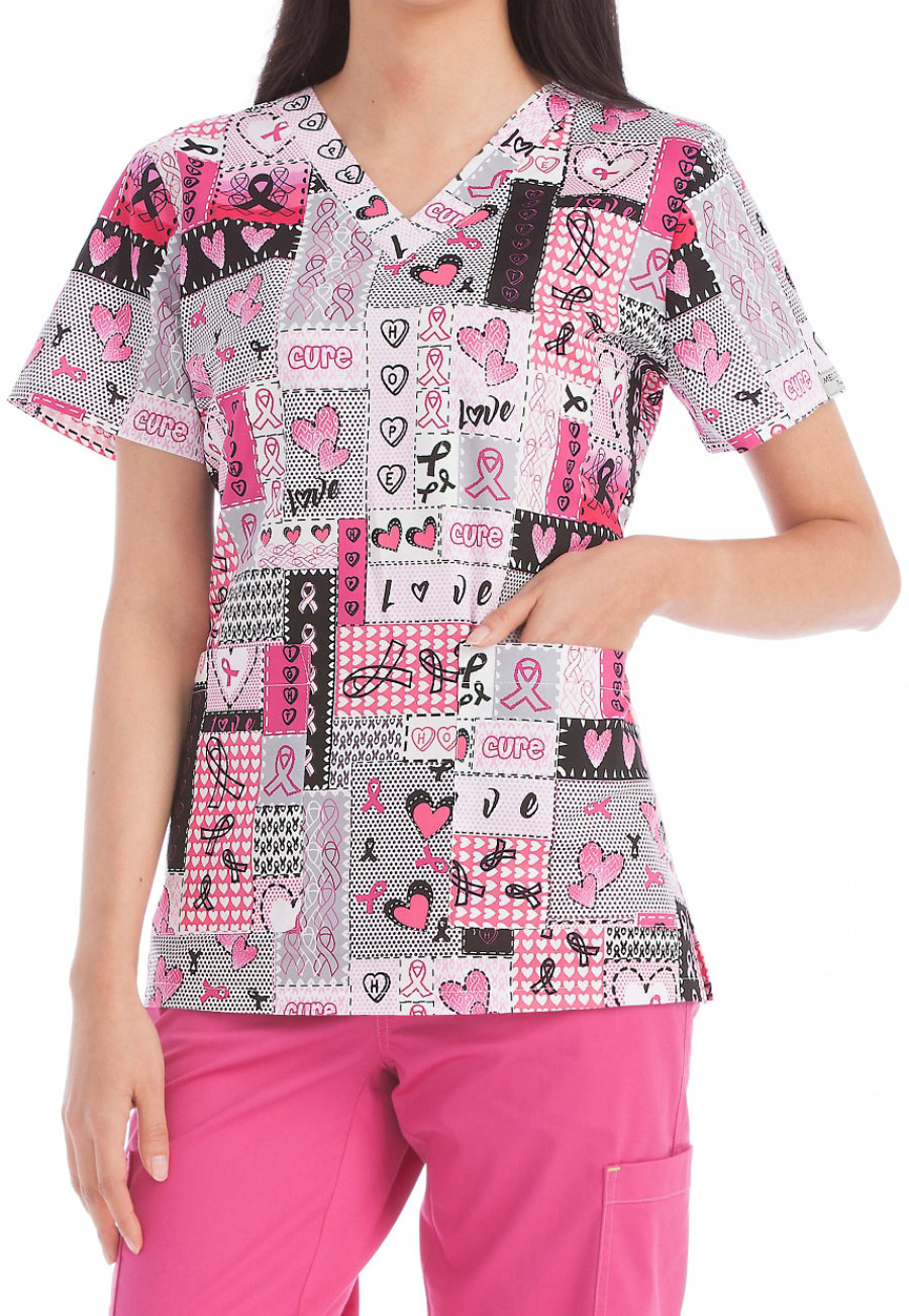 Med Couture Anna Happy Thoughts Print Scrub Top