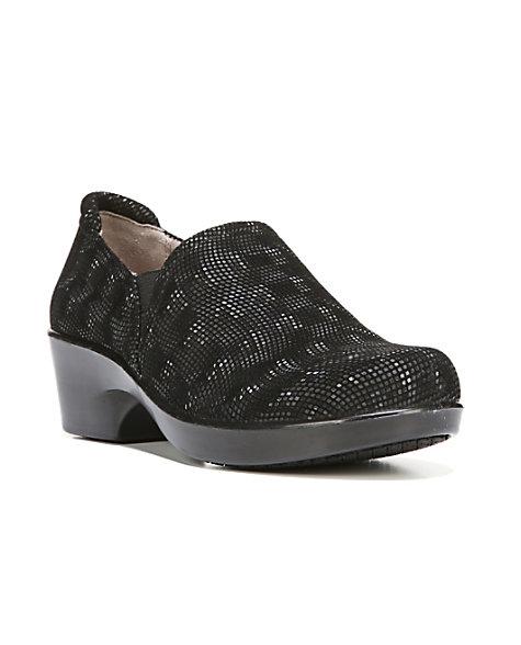 naturalizer freeda leather slip resistant nursing shoes