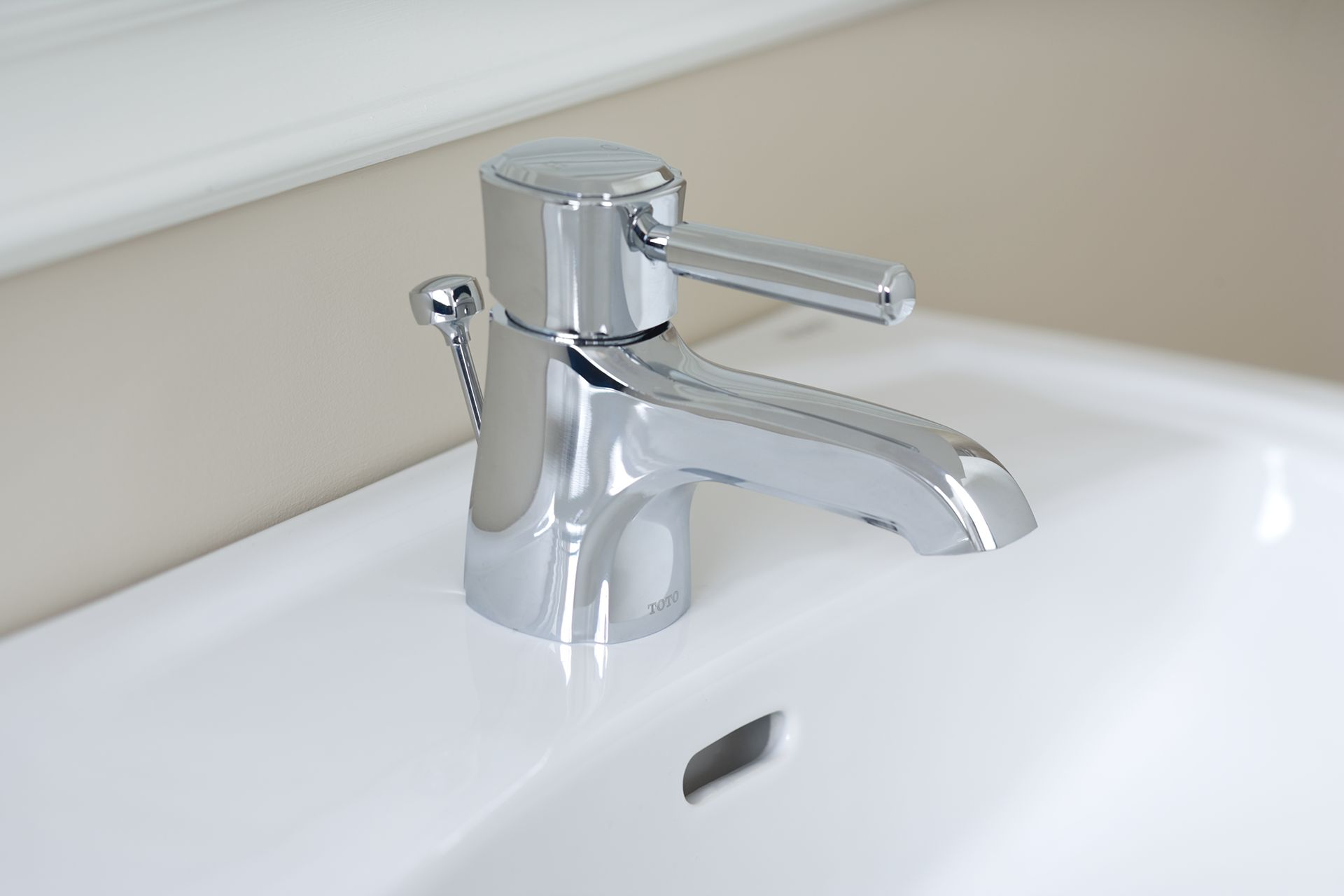 Guinevere Single Handle Lavatory Faucet 1 5 Gpm