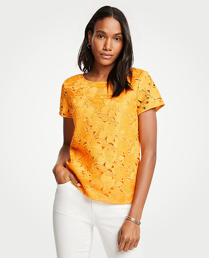 Floral Lace Tee | Tuggl