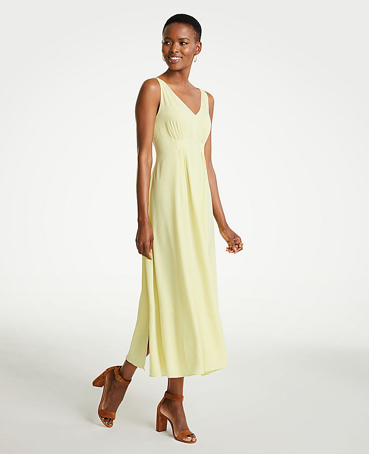Petite Breezy V-Neck Midi Dress