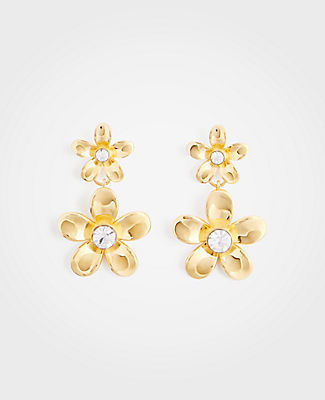 With petal-perfect brilliance, our polished flower drop earrings provide the sparkling touch that every outfit needs. 1 3/4 drop.
