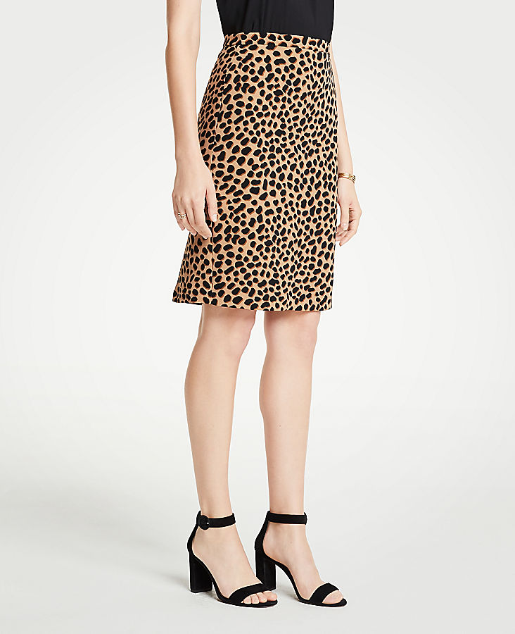 Petite Cheetah Dot Flounce Back Pencil Skirt