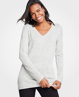 ANN TAYLOR PETITE RIBBED V-NECK SWEATER