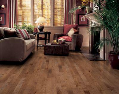 Maple Hardwood Flooring Brown Er7561 By Bruce Flooring