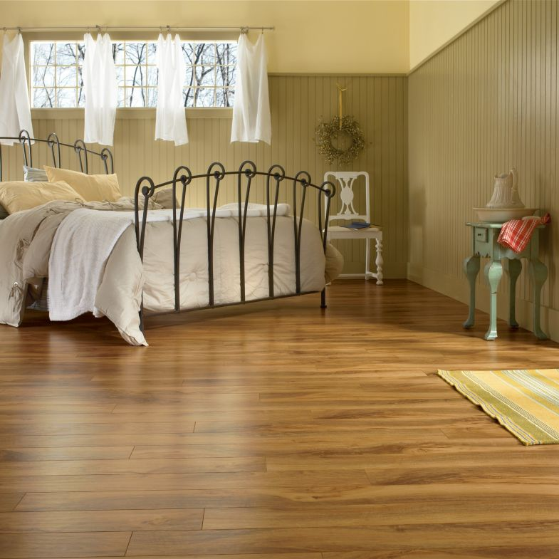 Walnut gloss laminate flooring thefloors co for Floor 88 zalikha