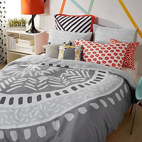 Scribble Medallion Comforter Set in Grey