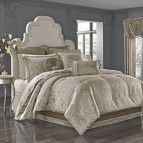 J Queen New York Corinna Comforter Set In Silver Bed