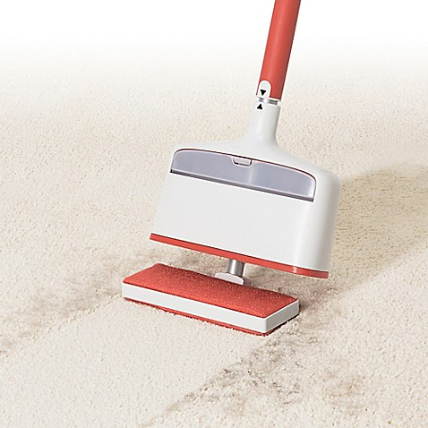 OXO Good Gripsu0026reg; Furlifter Carpet Rake In White/Red