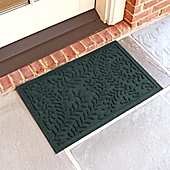 weather guard boxwood 18inch x 28inch door mat in evergreen