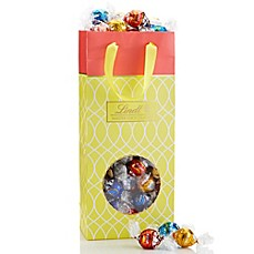 image of Lindt Lindor 100-Count Spring Gift Bag
