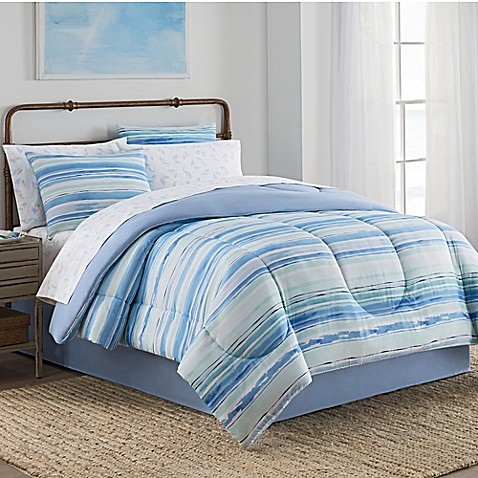 Blue Hill Watercolor 8 Piece forter Set in Blue Green
