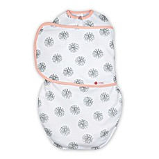 image of Embe® Circle Classic 2-Way Swaddle™ in Pink