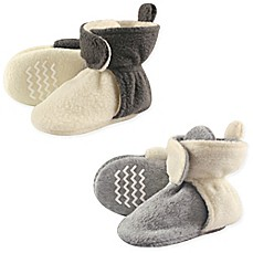 image of Hudson Baby® 2-Pack Fleece Scooties Slipper in Beige/Grey