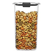 image of Rubbermaid Brilliance 6.6-Cup Grain Dry Storage Container
