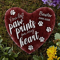 image of Paw Prints On My Heart Garden Stone