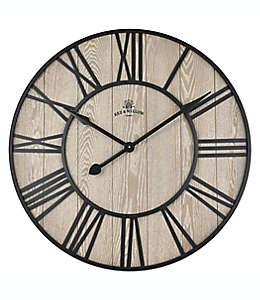 Reloj de pared Bee & Willow™ Home, 81.28 cm color café nogal