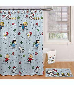 Set de cortina de baño y ganchos Peanuts™ Holiday Skating, 1.77 x 1.82 m en azul claro