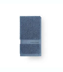 Toalla de baño de algodón Calvin Klein® Tracy color azul desteñido