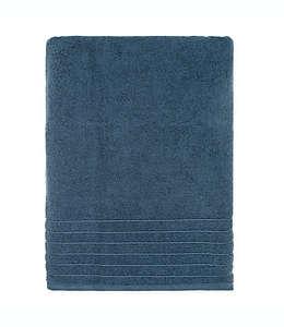 Toalla de baño Brookstone® SuperStretch™ en azul