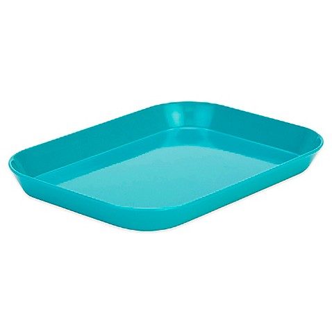 From kitchen to table, the Full Gallery large serving tray by Zak ensures stability and safety.
