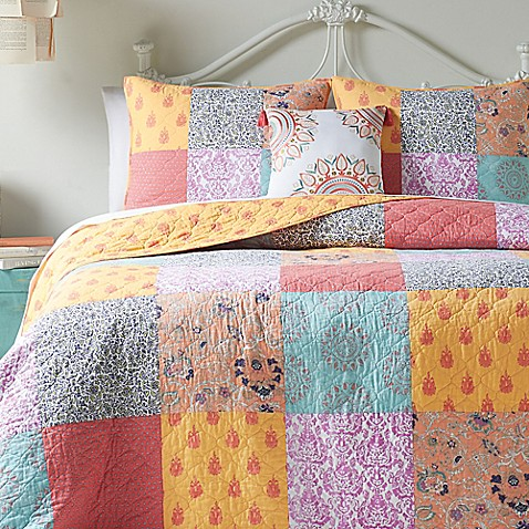 Jessica Simpson Sonya Reversible Quilt Collection Bed