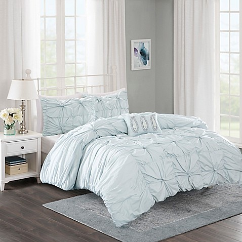 Madison Park Harlow 4 Piece Comforter Set In Seafoam Bed