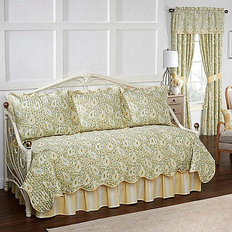 Waverly Paisley Verveine Reversible Daybed Quilt Set In