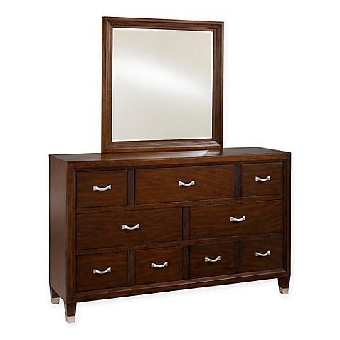 Broyhill Eastlake Wood 7 Drawer Dresser In Brown Bed