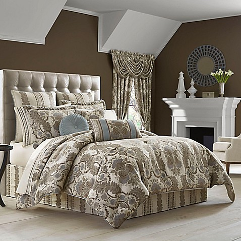 J Queen New York Crystal Palace Comforter Set In Taupe