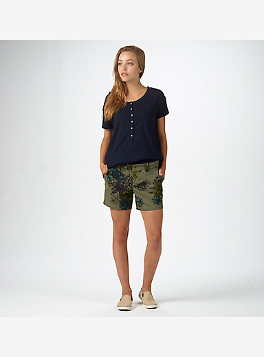 Burton Mid Short shown in Succulent Camo