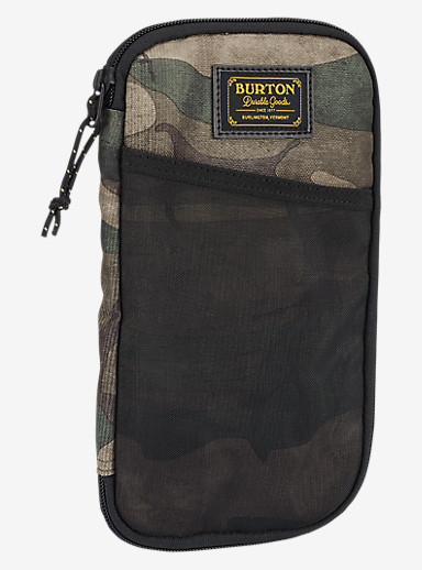 Burton Co-Pilot Travel Case shown in Bkamo Print