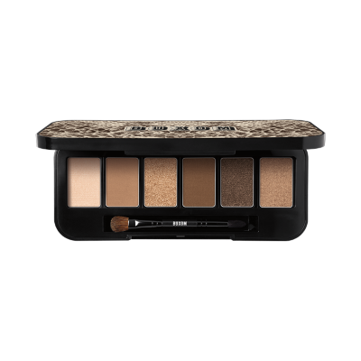 Show off flattering eye looks with this limited-edition eyeshadow palette. Featuring six, ultra-luxe, nude eyeshadows that range from bisque luster to metallic taupe hues, this palette's primer-infused technology helps to lock color in place. The powerfully-pigmented formula glides onto lids with a powder-to-silk texture that creates a luxe eye makeup feel.