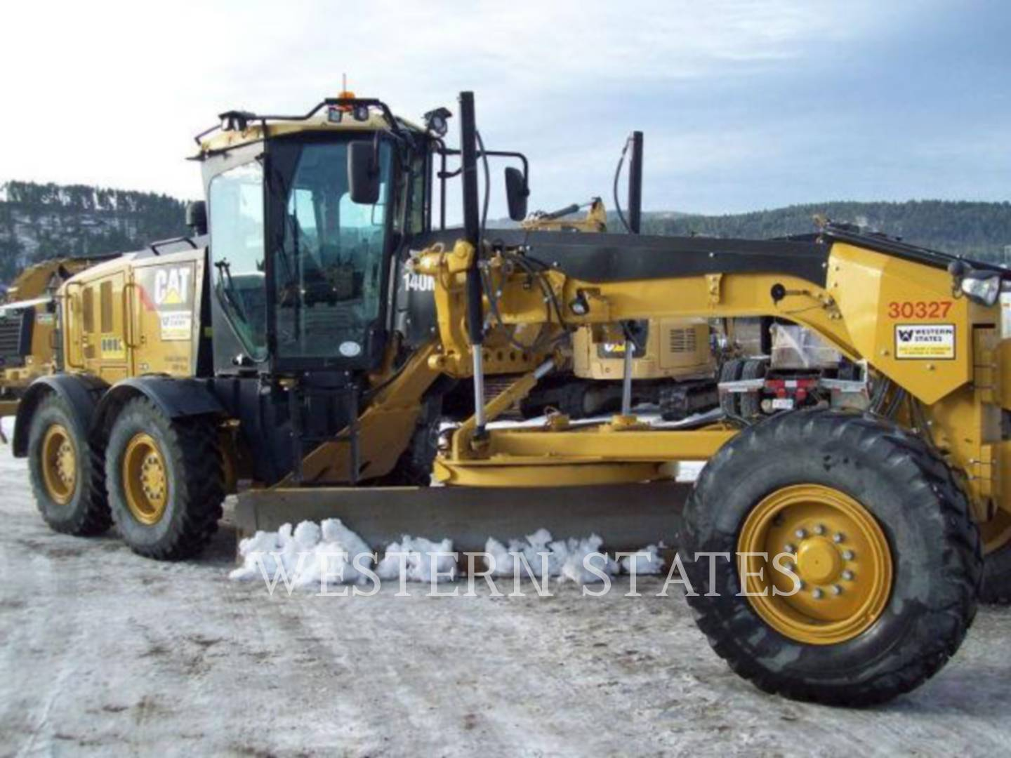 2012 CATERPILLAR 140M2 image1
