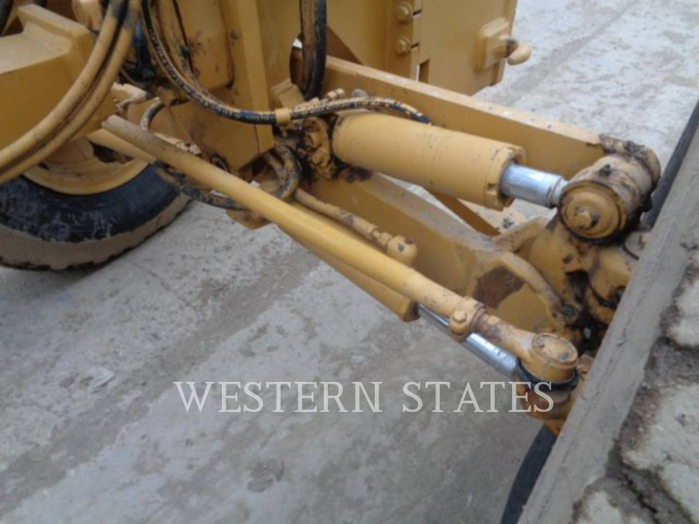 2004 CATERPILLAR 140HNA image14