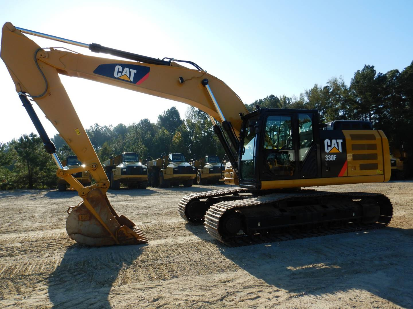 Whayne Walker Cat   Used 2017 Caterpillar 330 F L for Sale