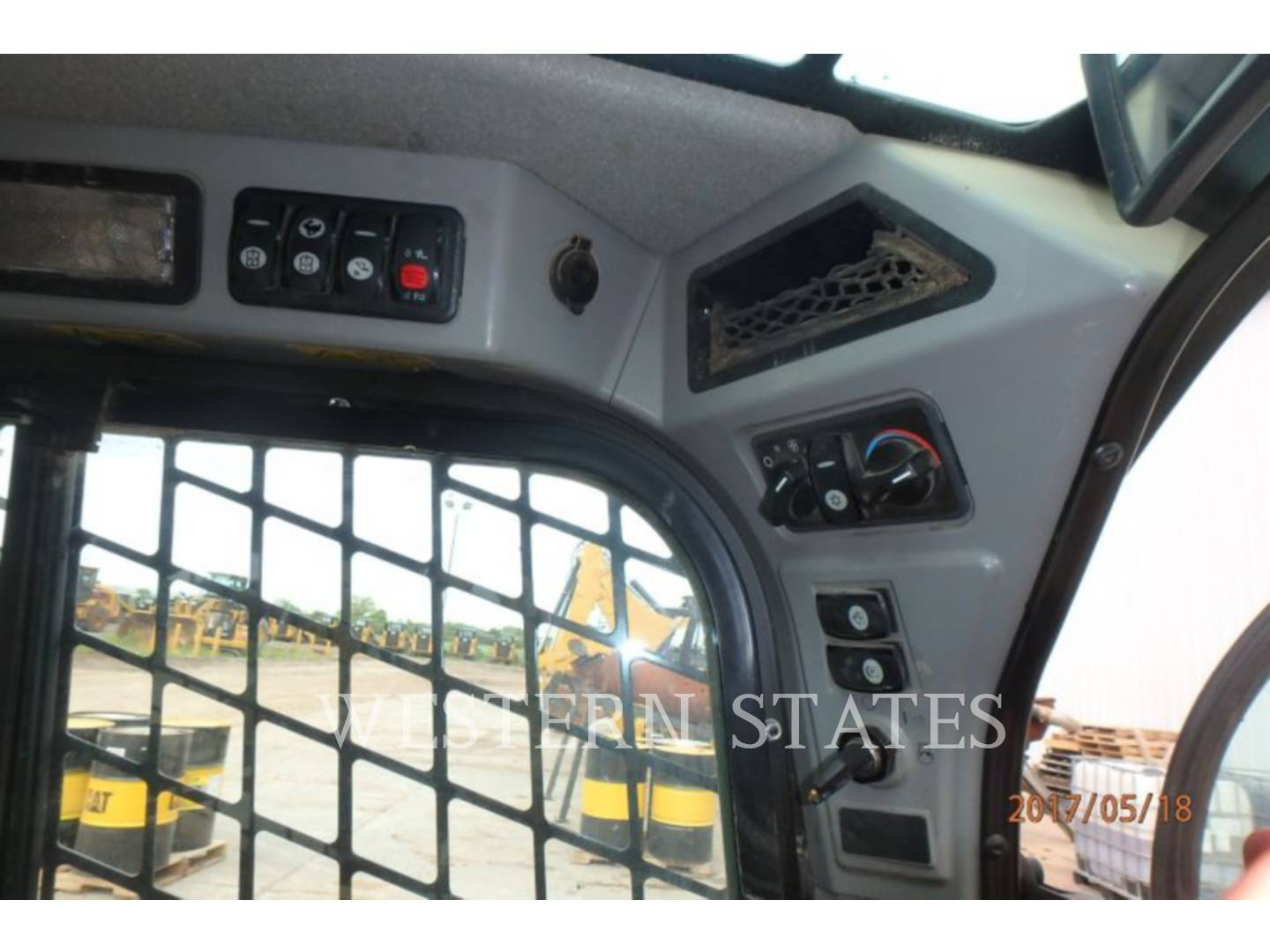 2015 CATERPILLAR 259D image9